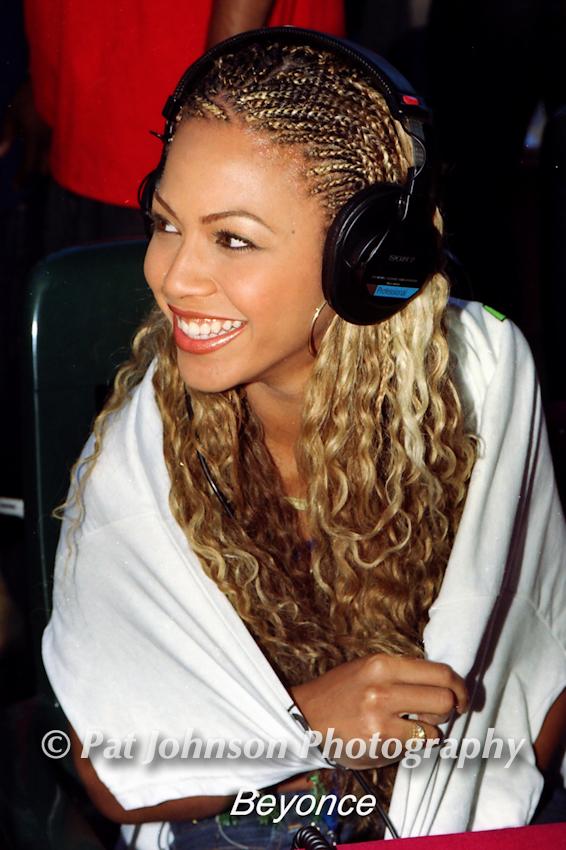 H-11.Beyonce-Destinys Child 1999-008-2-18